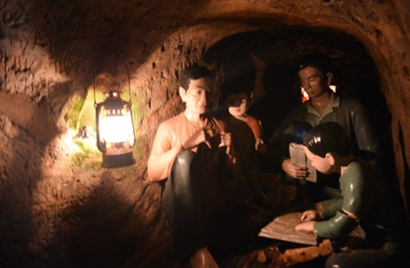 Phong Nha & Grottos Vinh Moc Tunnel Tour - 1 Day