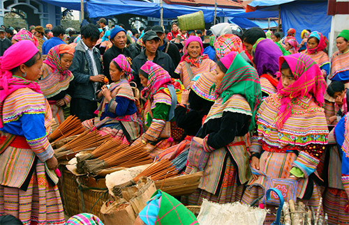 Sapa - Bac Ha 4 nights and 3 days by overnight bus